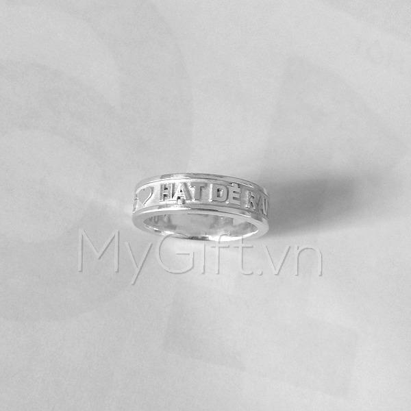 Nhẫn bạc khắc chữ nổi 3D
