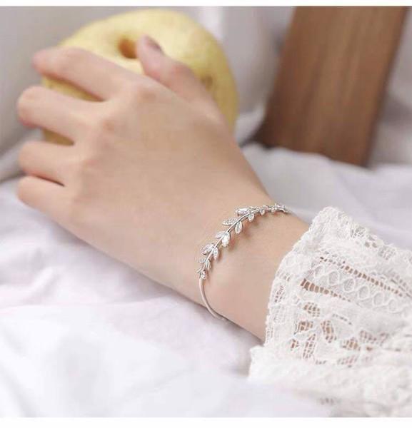 Vòng tay bạc nhánh cây Olive